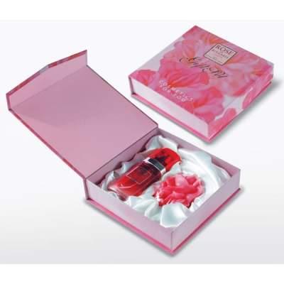 Подарочный набор Rose of Bulgaria (Глицериновое мыло бутон розы + Духи Rose 25 мл. с тканью внутри)